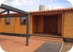 Casa de Madera Inca1 10200mm x 7000mm 70mm Grosor de la Madera Vista Frontal MNVEEK